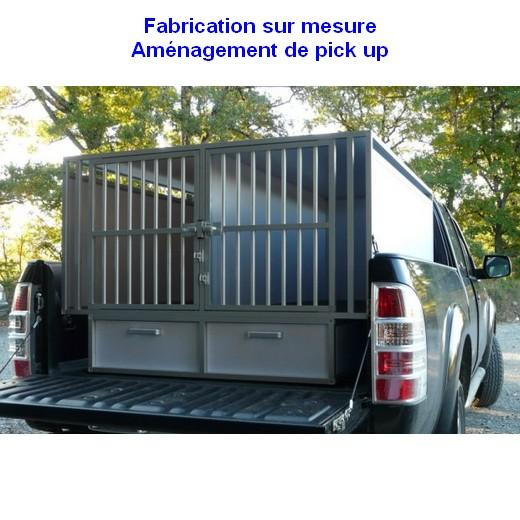 cage de transport dogbox pour chiens am nagement de pick up caisses de transport sur mesure. Black Bedroom Furniture Sets. Home Design Ideas